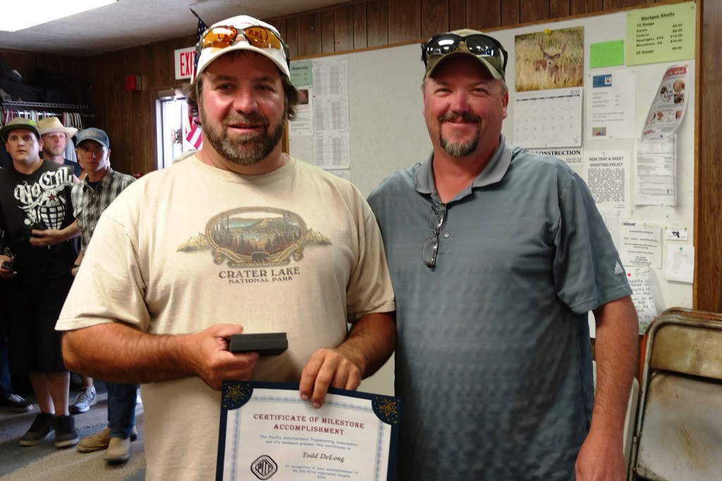 Todd DeLong receives 50,000 award from Mike Gregersen