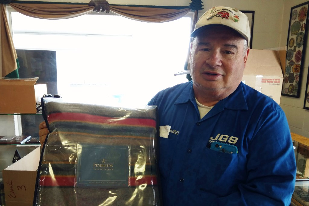 Ken Humbert of Myrtle Point wins blanket at Medford